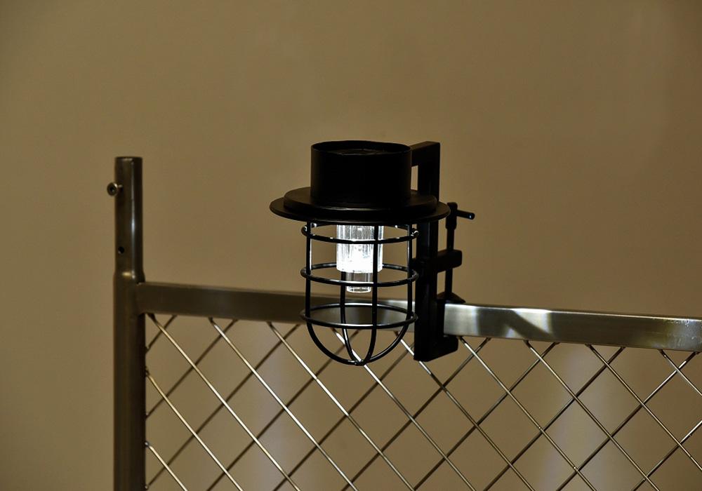 CLIP SOLAR LIGHT(クリップ ソーラー ライト)インダストリアルブラックのイメージ写真02