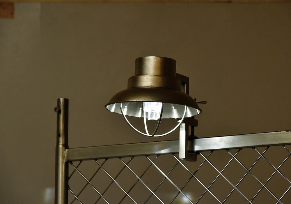 CLIP SOLAR LIGHT(クリップ ソーラー ライト)マリンシルバーのイメージ写真02